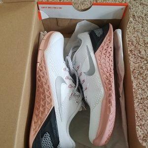 Nike Shoes - NIB! Women's Nike Metcon 4 White/Metallic/Silver 6